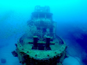 沈船の正面写真